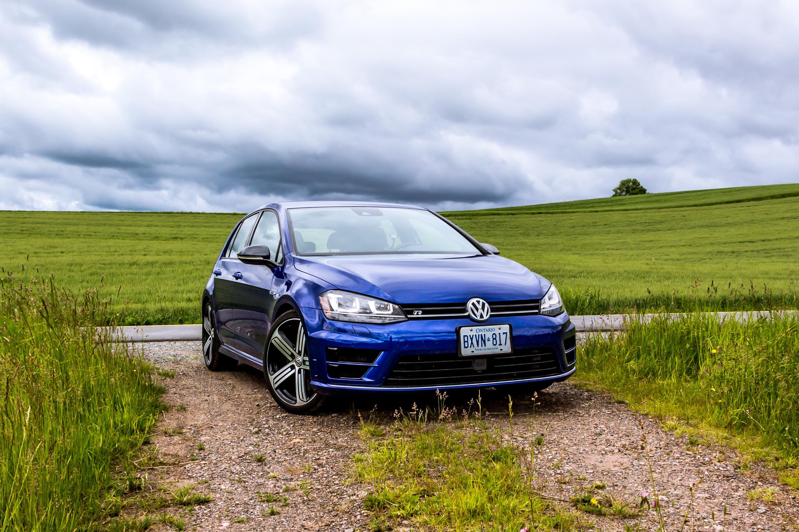 Video Review: 2016 Volkswagen Golf R