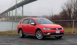 Video Review: 2017 Volkswagen Golf Alltrack