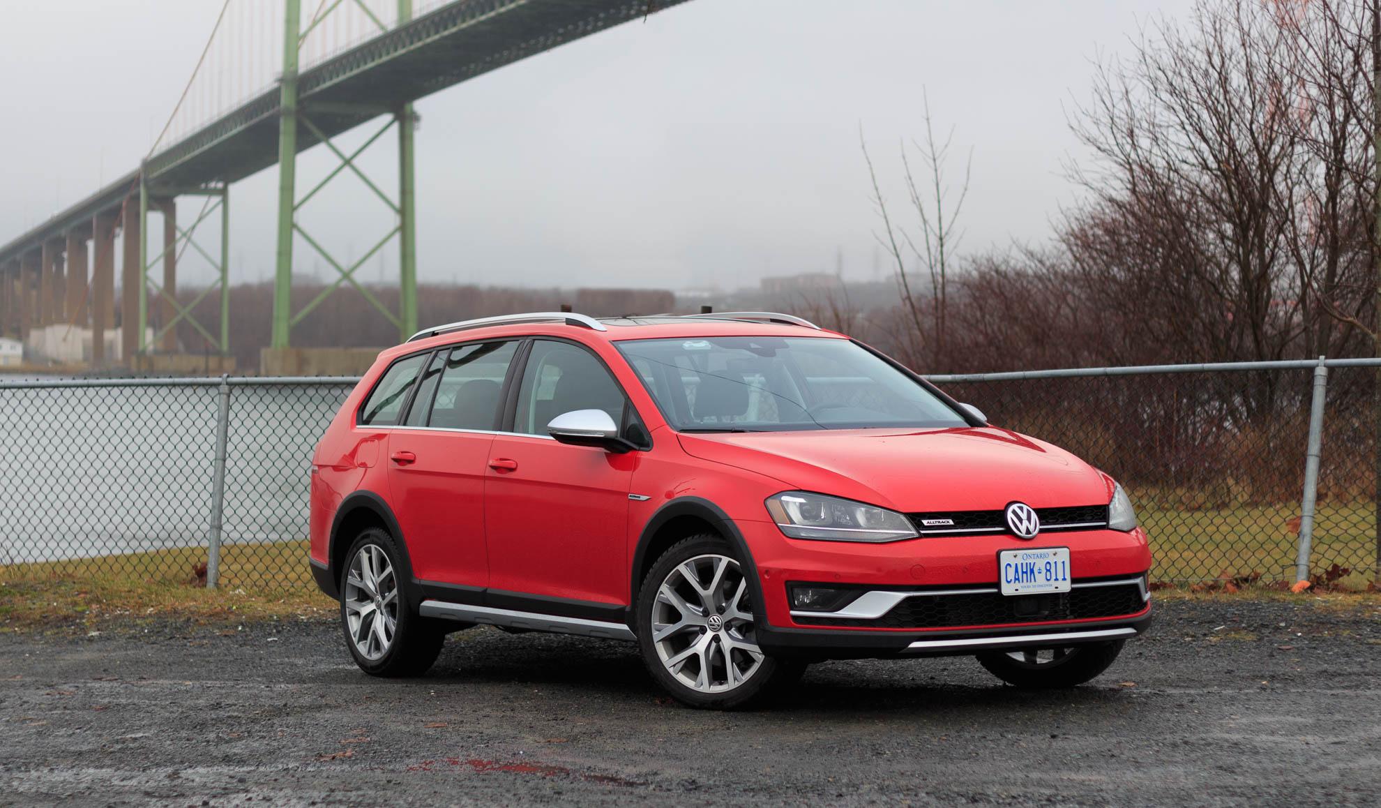 Video Review: 2017 Volkswagen Golf Alltrack
